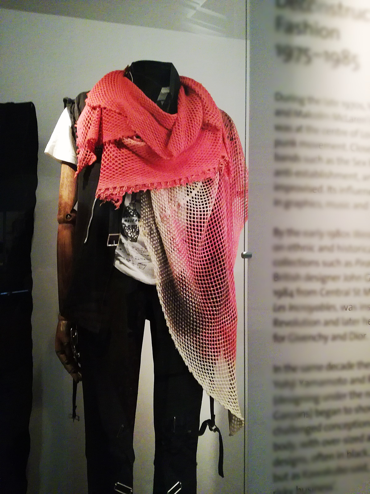 Deconstructing Fashion, Victoria and Albert museum, London Fashion week AW18