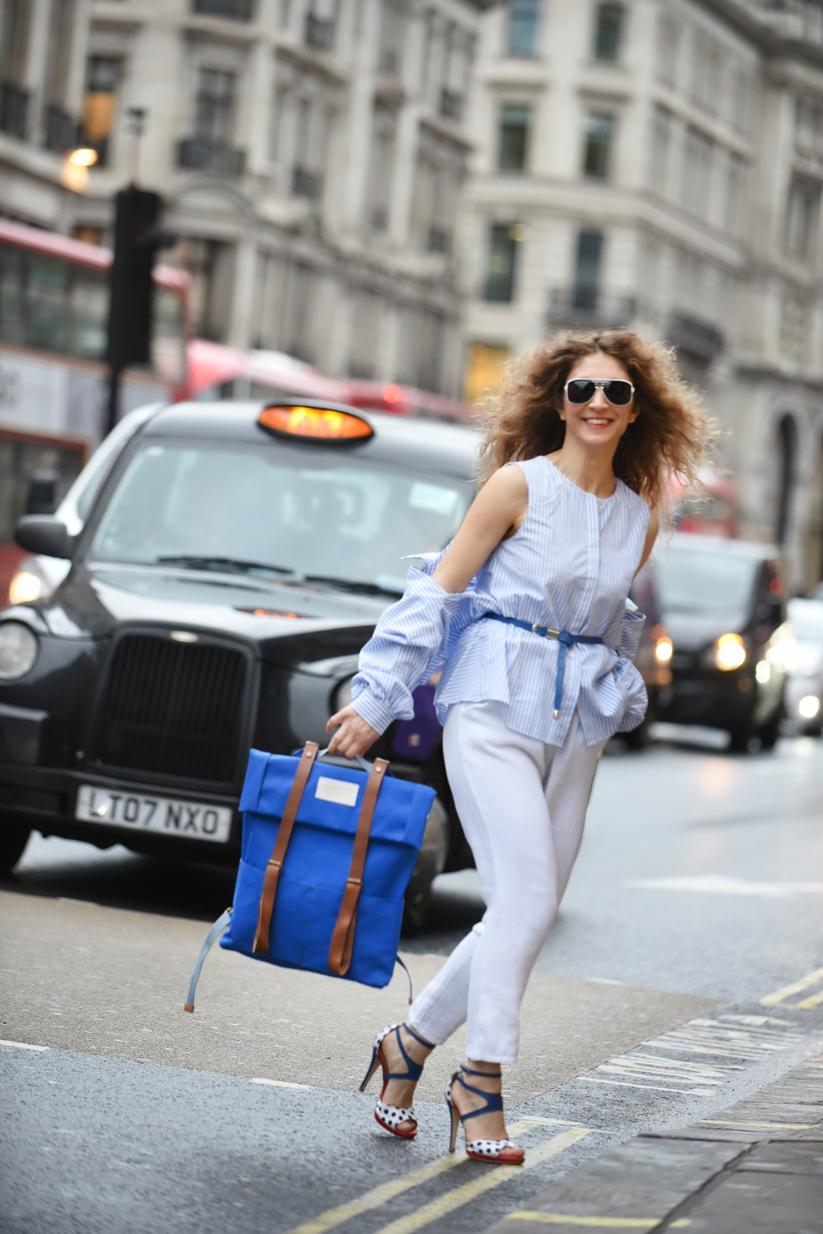 London fashion Week 2019 street style by Think Feel Discover for upcycled 3quarters bags