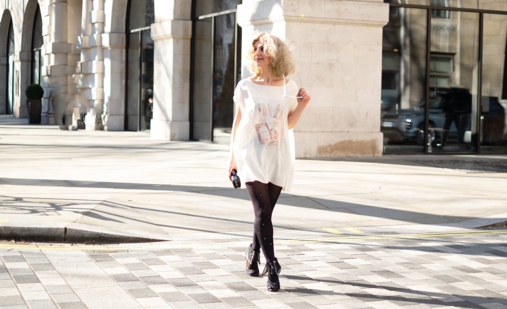 London Street style of the printed silk T-shirt by Think Feel Discover at LFW Feb2019