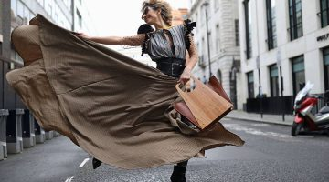 Think Feel Discover at Mayfair London for London Fashion Week Street Style 2020 with Wood Experience Bag