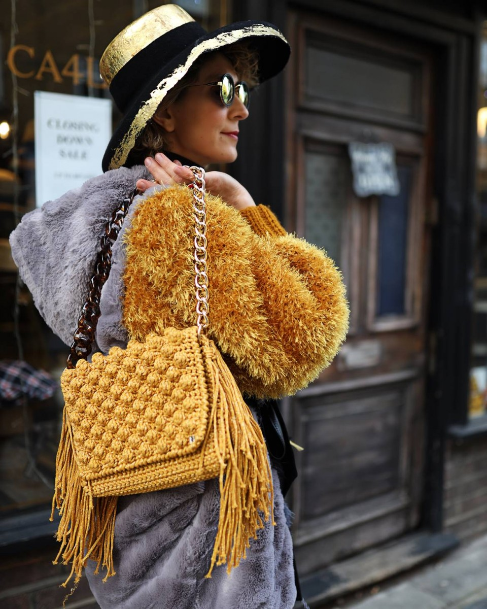London Street Style at LFW 2020 by Chrysanthi Kosmatou, Think-Feel-Discover.com for Fashion Trend Forecast 2020 & Knitwear trends.