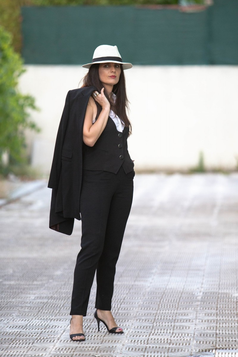 Fashion Week street style 2020, Be Creative Fashion Week organized by Chrysanthi Kosmatou, Think-Feel-Discover in Athens Greece during Haute Couture 2020.
